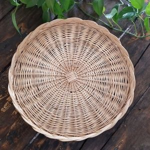 "18"" Round Natural Woven Wicker Basket Tray"